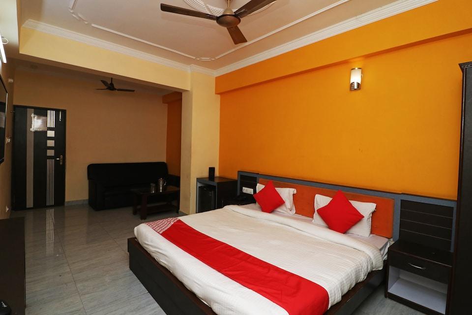 OYO 9573 Hotel UD ASSI Inn, Lanka, Varanasi