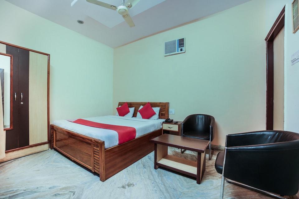OYO 9929 Hotel Dhruv