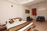 OYO 9765 Hotel Royal Queen