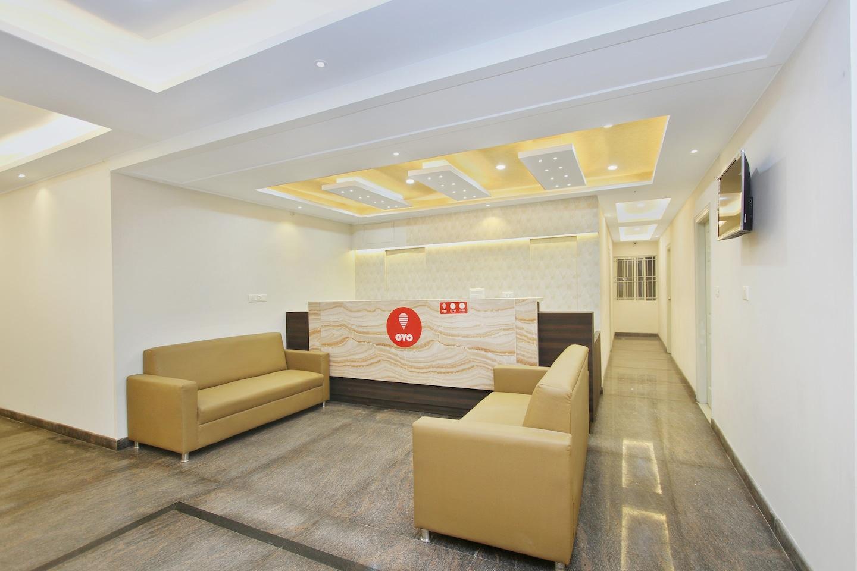 OYO 9931 Hotel Bali Square Reception-1