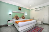 OYO 9575 Hotel Absolute Comfort