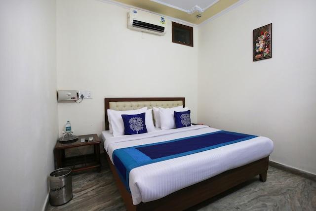 OYO 9661 Hotel Sai Plaza