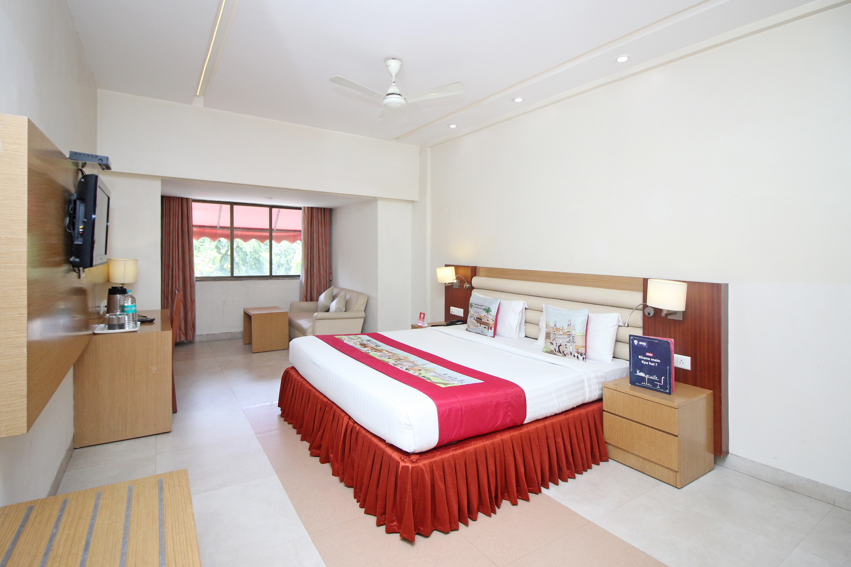 OYO 9610 Hotel MB International