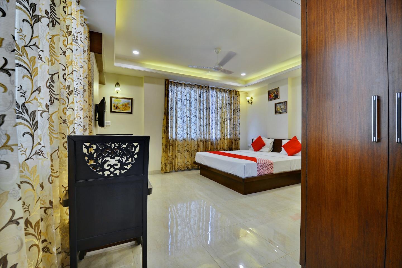 OYO 9753 Hotel Cheelgadi -1