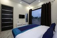 OYO 9940 Shashank Villa