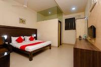 OYO 10382 Hotel Saffron Suites