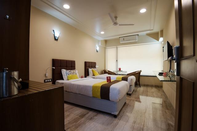 OYO 9721 Hotel SR Rooms