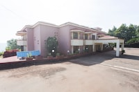 OYO 9807 Dhanhills Hotel