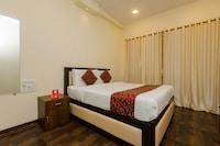 OYO 9849 Hotel Divine Residency