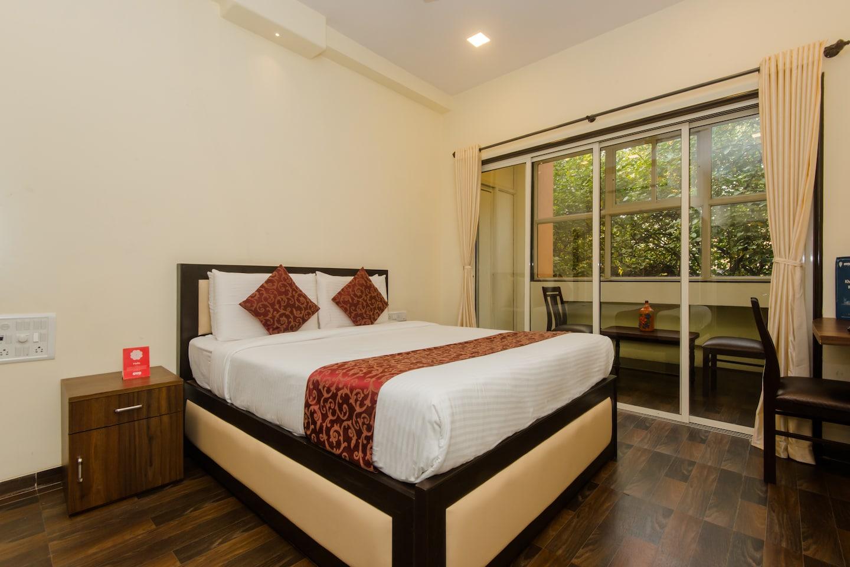 OYO 9849 Hotel Divine Residency -1