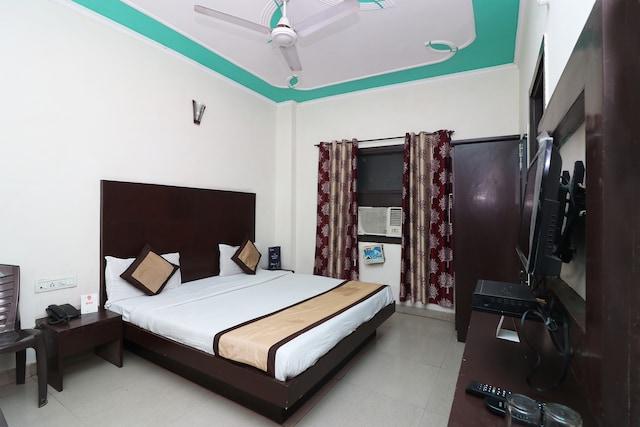 OYO 9726 Hotel Aura Palace Deluxe