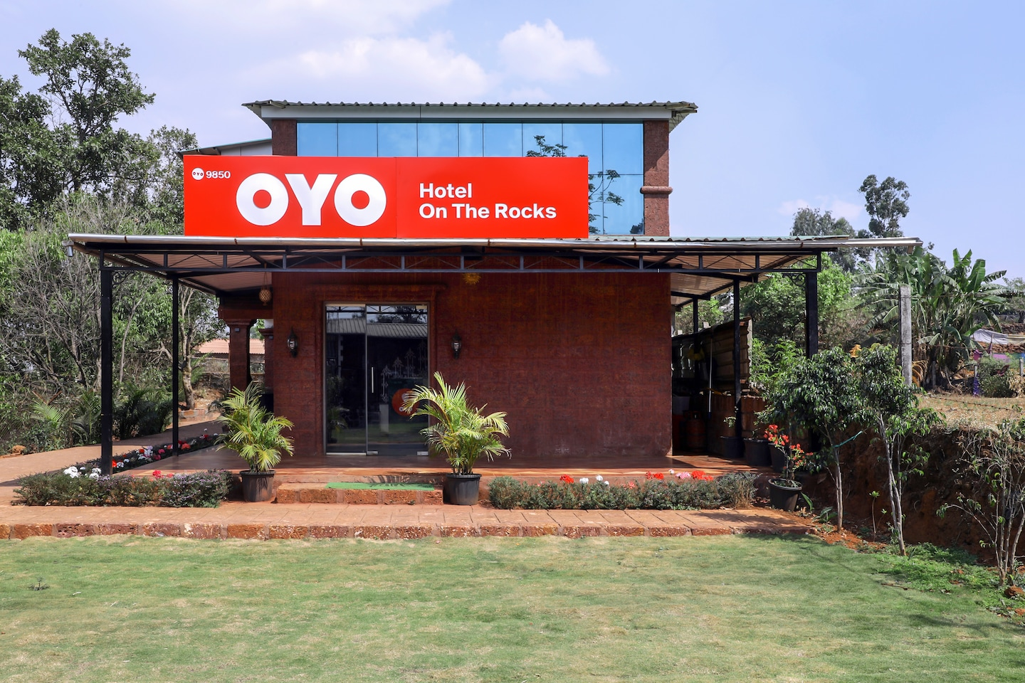 OYO 9850 Hotel On the Rocks -1