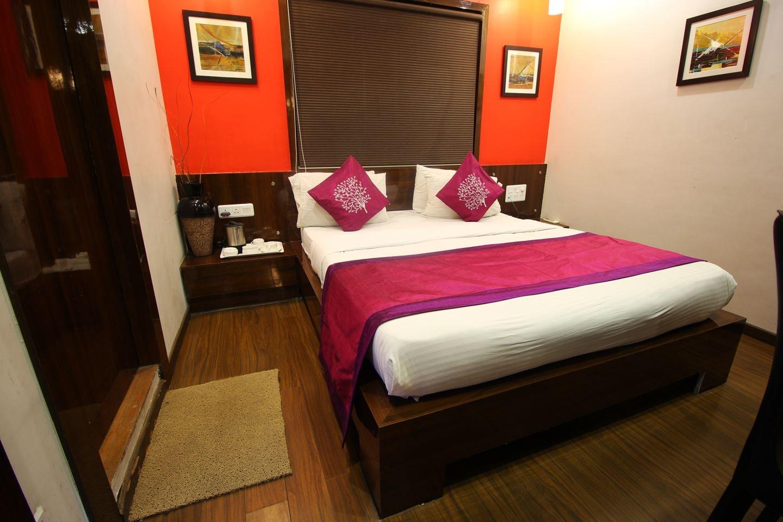 OYO 1328 Hotel SS Inn Room 1