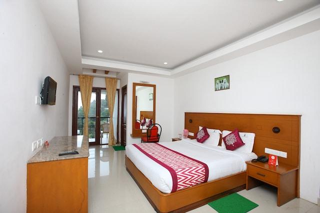 OYO 9950 Hotel Kurunji Meredian