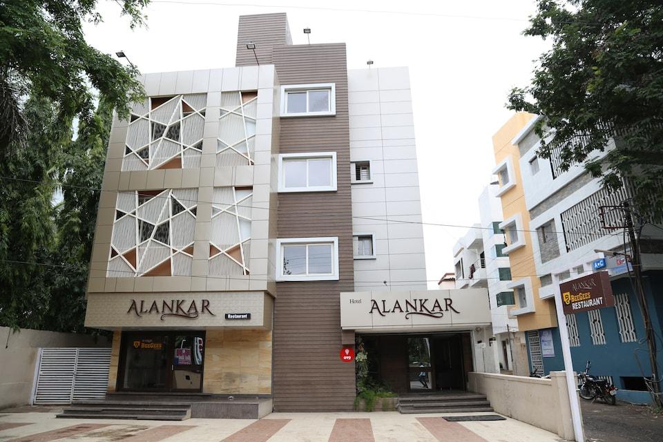 OYO 9953 Hotel Alankar