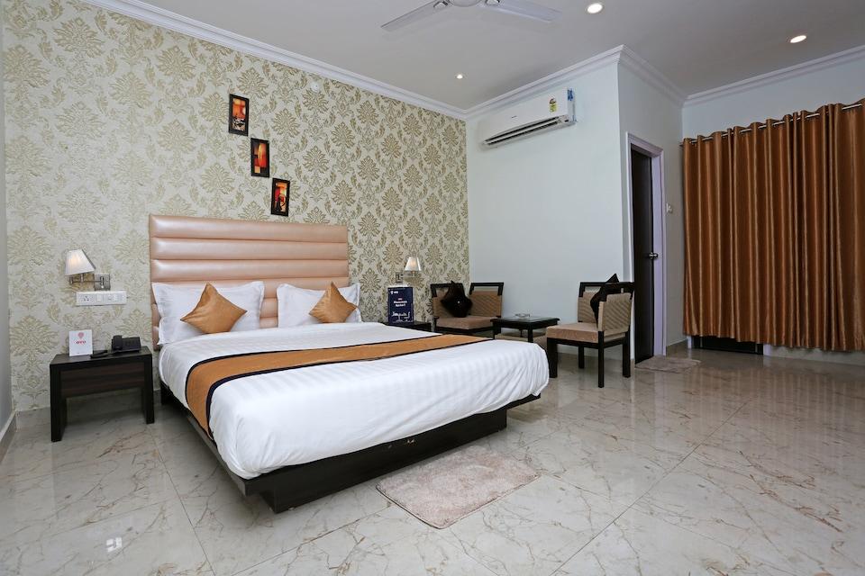 OYO 9856 Hotel MP Inn