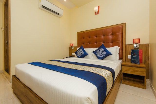 OYO 9778 Aster Hotel