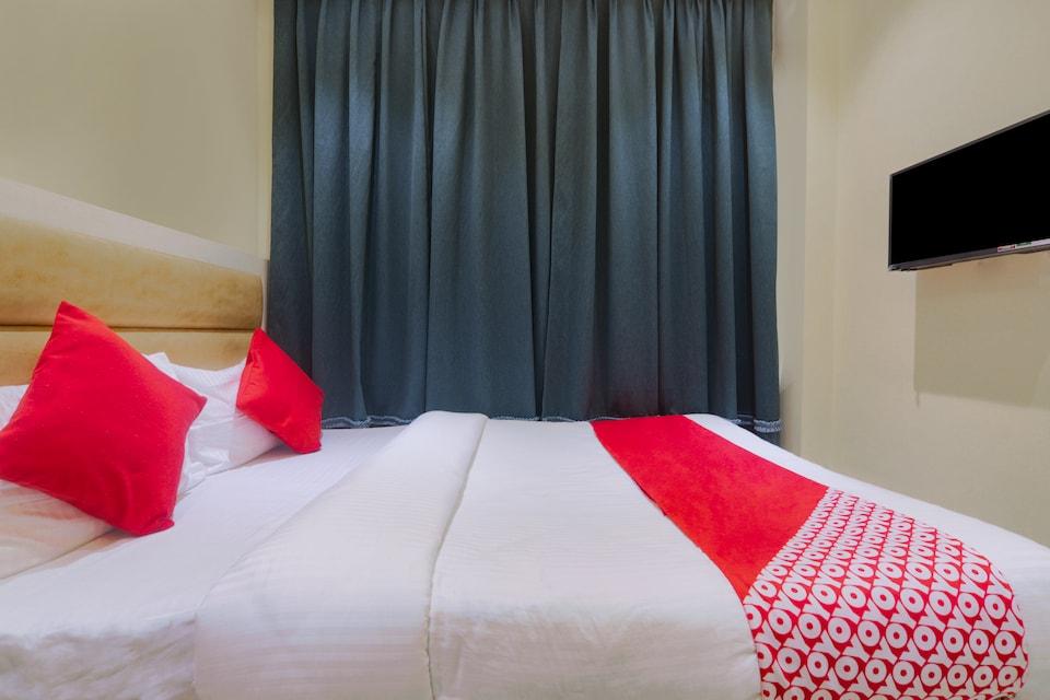 OYO 11651 BKR Guest House