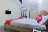 OYO 11651 BKR Guest House