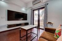 OYO Home 9810 Elegant Studio