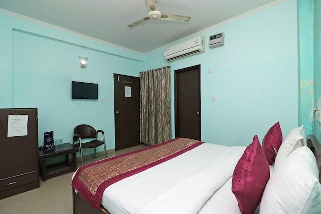 OYO 9786 Hotel Aerolook