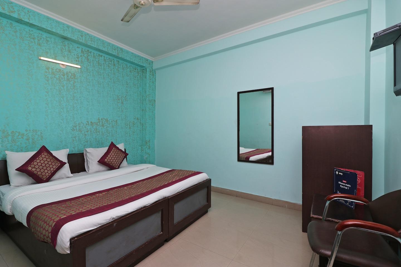 OYO 9786 Hotel Aerolook -1