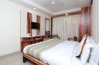 OYO 13338 Hotel Atithi