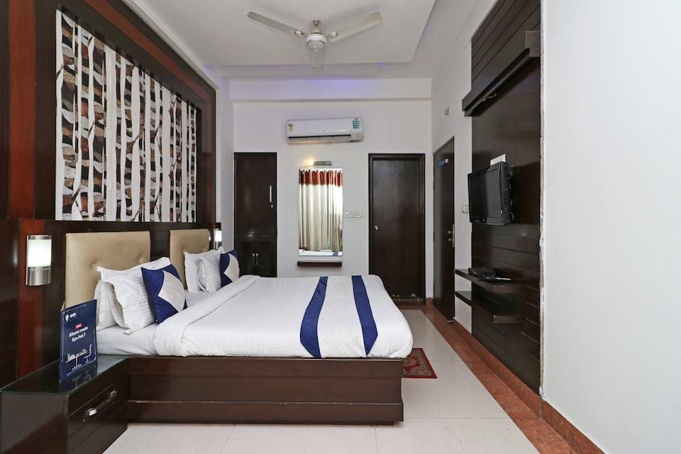 OYO 9974 Hotel Taj Prince