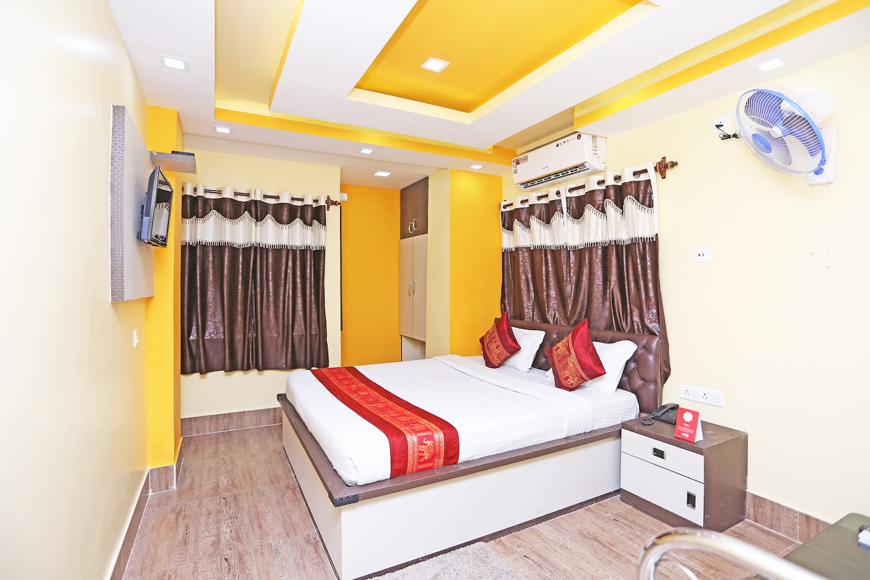 OYO 9975 Hotel Asmeet Room-1