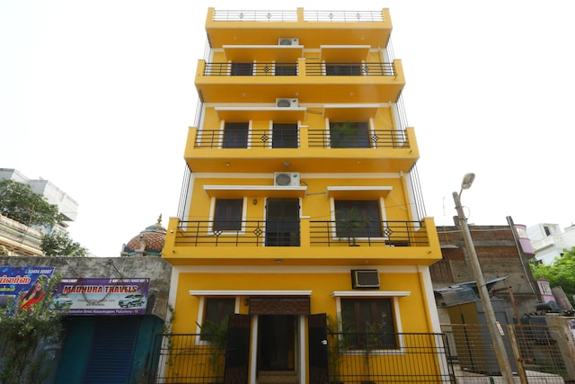 OYO Home 9784 Heritage 1BHK