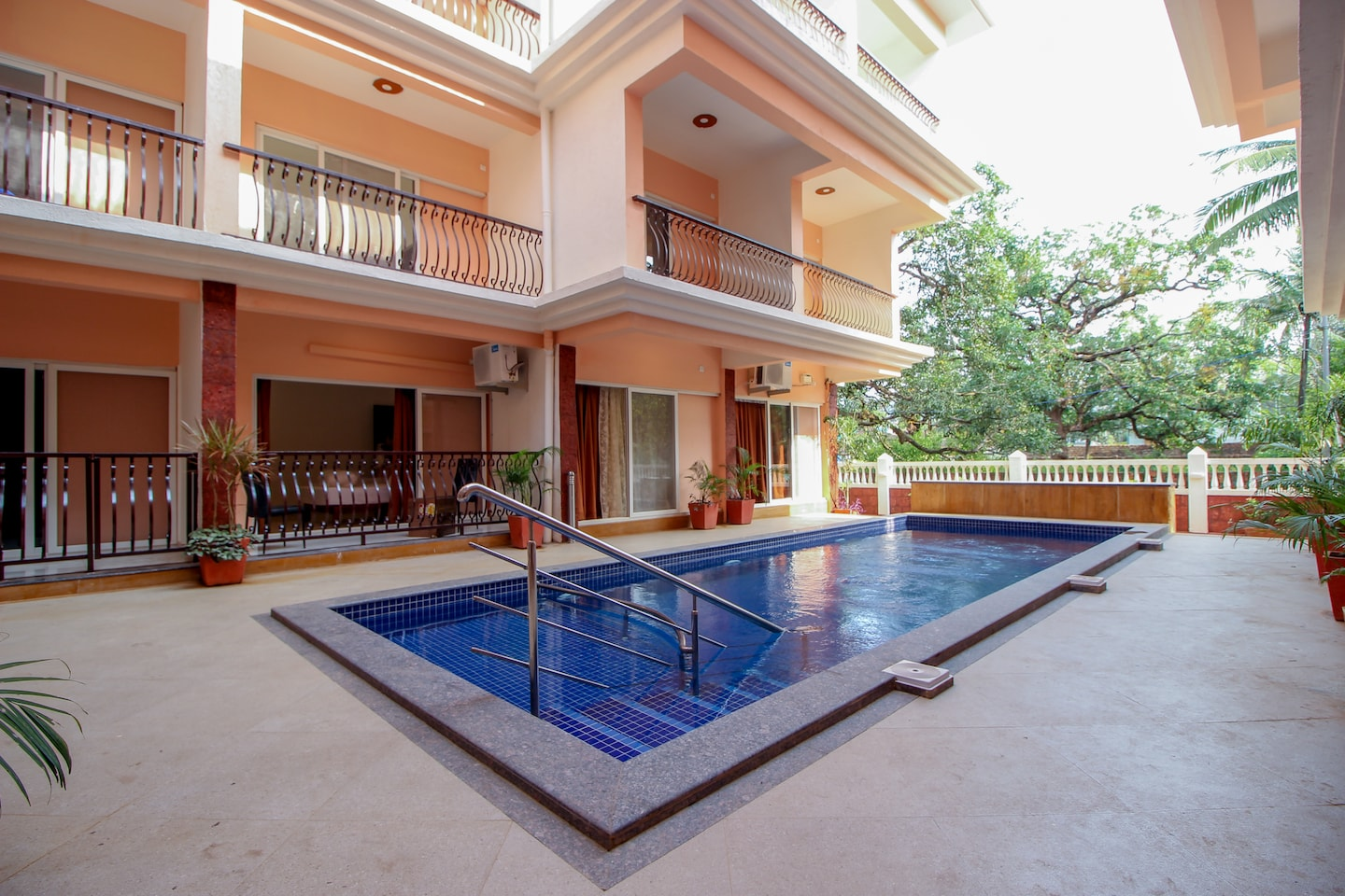 OYO 9792 Home 2BHK Poolside Siolim -1
