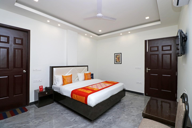 OYO 9977 Jagat Residency -1