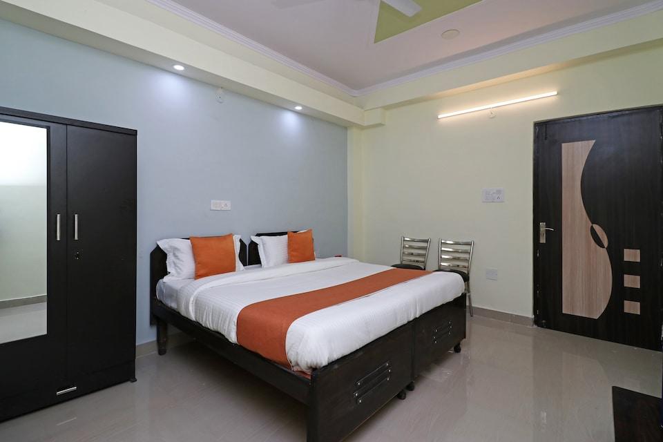OYO 10045 Hotel Pearl Residency