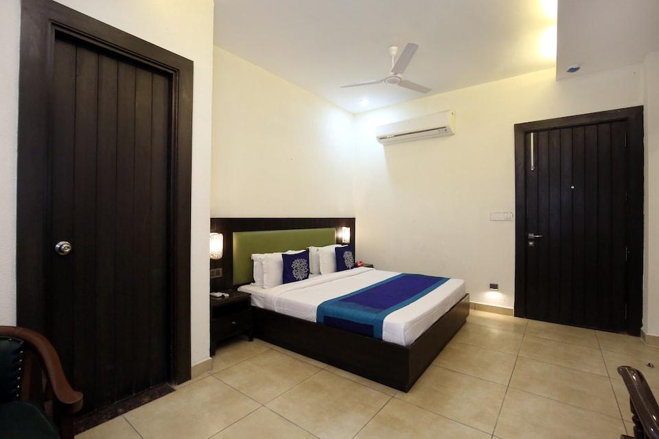 OYO 9982 Shahz Lounge