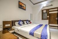 OYO 10454 Hotel Riviera