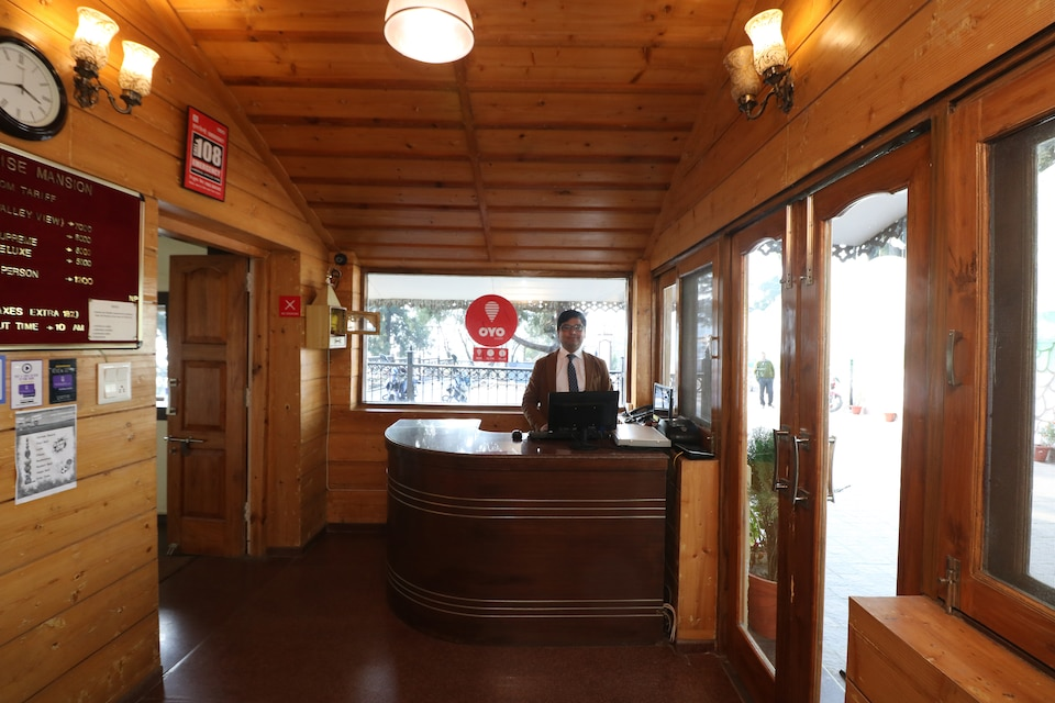 OYO 11839 Hotel Paradise Mansion, Mall Road Mussoorie, Mussoorie