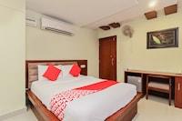 OYO 382 Madhura Inn