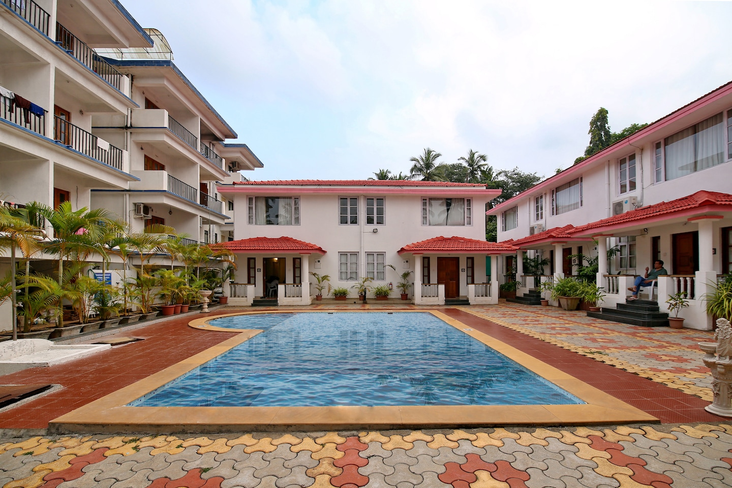 OYO 9890 Home Poolside 2BHK Vagator Beach -1