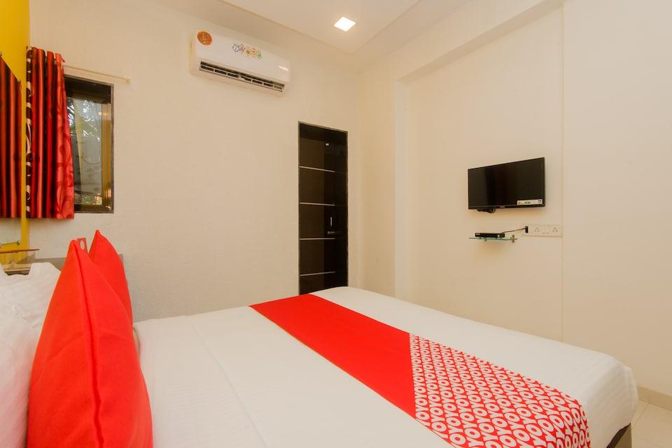 OYO 11498 Hotel Bliss Executive