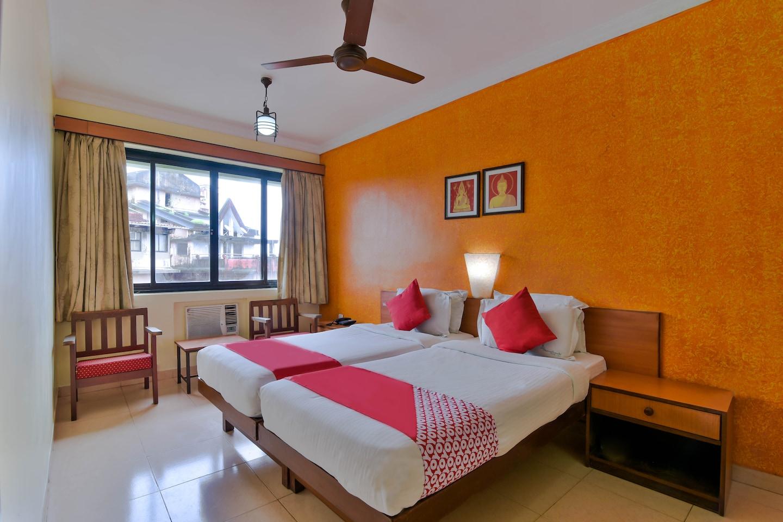OYO 1365 Hotel Manoshanti -1