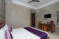 OYO 10119 Hotel Golden Leaf