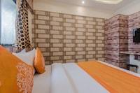 OYO 10016 Hotel Golden Inn