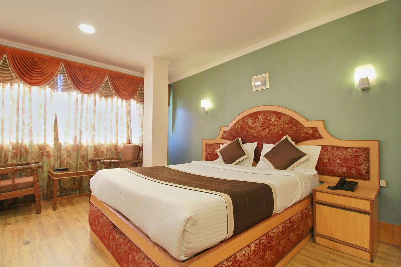 OYO 10068 Hotel Rathna -1