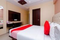 OYO 10019 Malad Residency