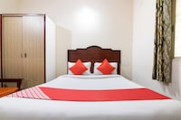 OYO 10293 Rajmahal Comforts