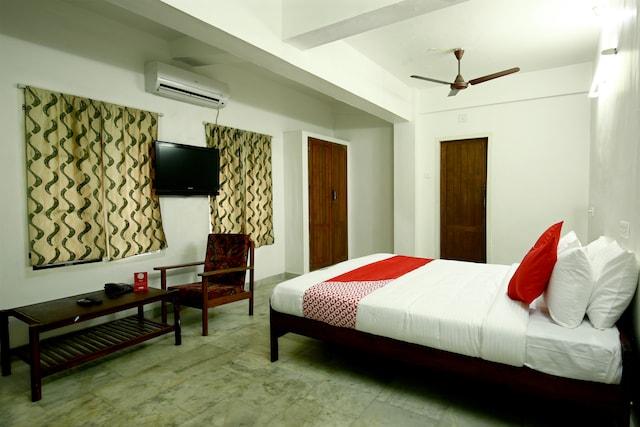 OYO 10259 Hotel Safa INN