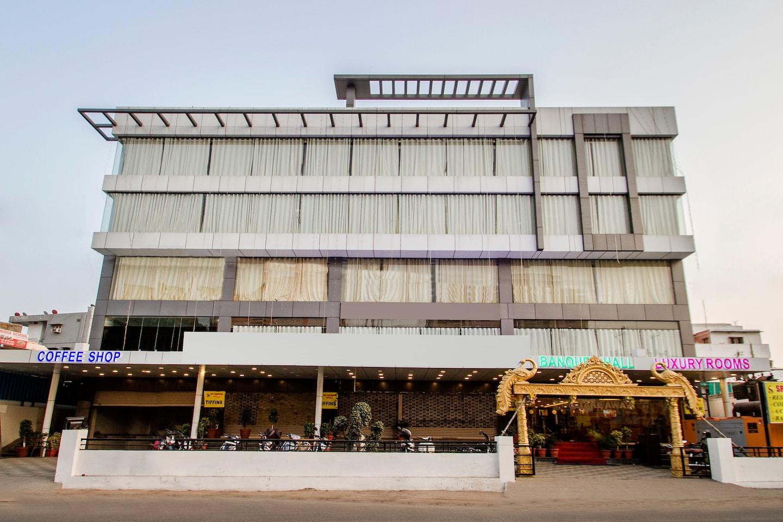 OYO 10225 Hotel Sree Chandana -1