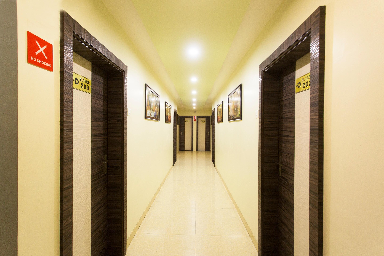 OYO 10078 Hotel Shriniwas Executive