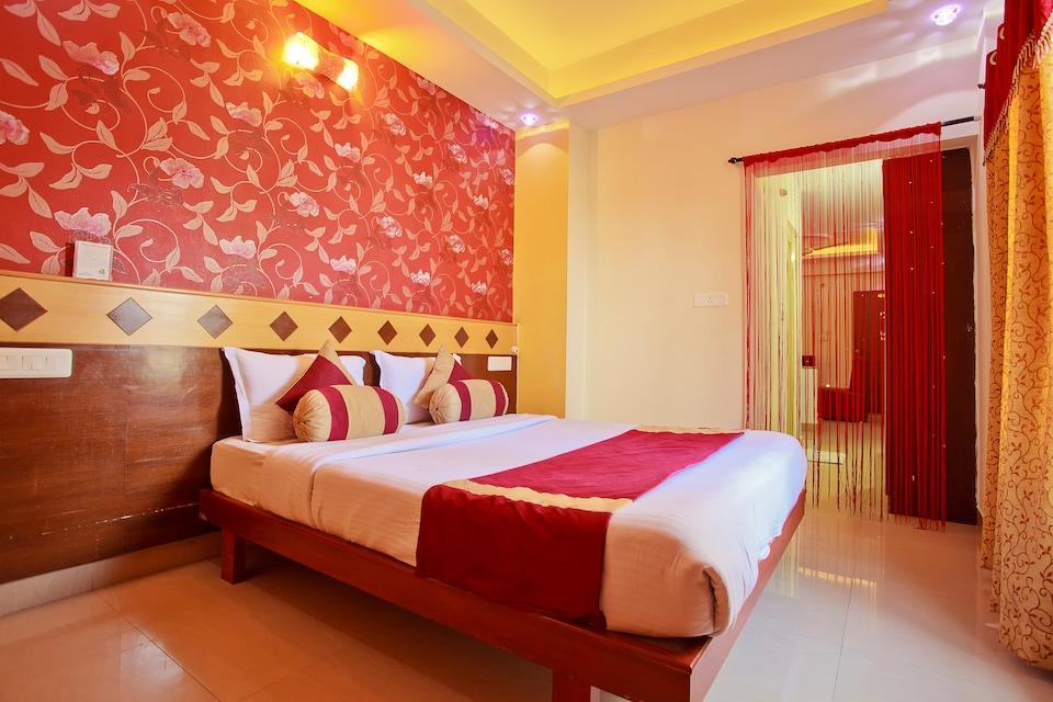 OYO 1387 Hotel Aishwarya Residency