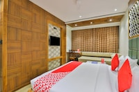 OYO 1389 Hotel Relax Inn Deluxe